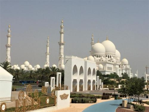 grand-mosque-outside-view