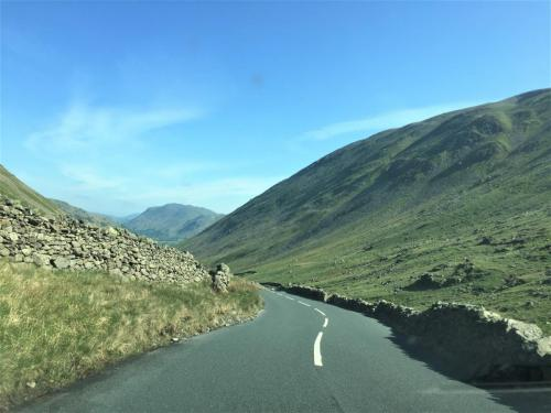 lakedistrict-narrow-road3